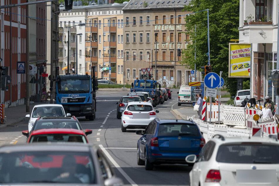 Baustellen Chemnitz: Bau-Chaos! In Altchemnitz stehen Autofahrer Schlange