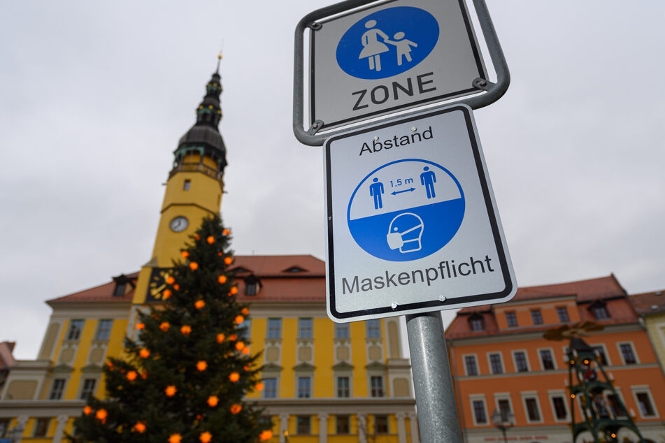 Im Landkreis Bautzen bleibt die 7-Tage-Inzidenz nach Zahlen des Robert Koch-Instituts (RKI) über der Marke von 500 Neuinfektionen pro 100.000 Einwohner.