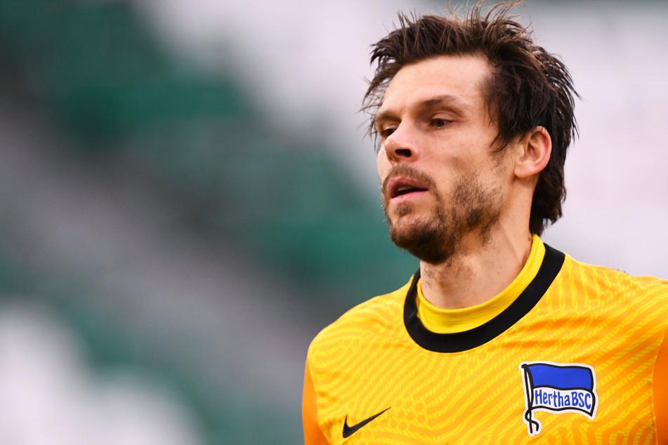 Hertha BSC muss im Stadtderby gegen den 1. FC Union Berlin kruzfristig auf Rune Jarstein (36) verzichten. Der Keeper ist positiv auf das Coronavirus getestet worden.