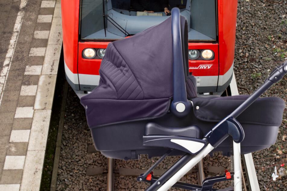 Schock-Moment: S-Bahn überrollt Kinderwagen