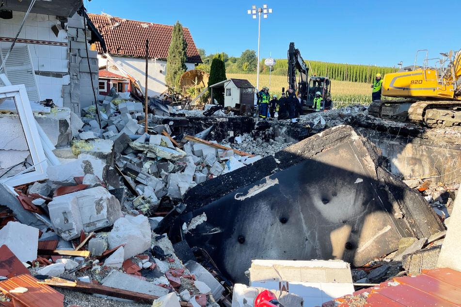In dem eingestürzten Haus wurde die 54 Jahre alte Bewohnerin tot aufgefunden.