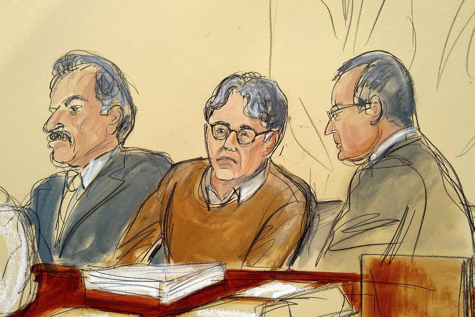 Diese Gerichtszeichnung zeigt den Angeklagten Keith Raniere (60, M.) beim Prozess im Jahr 2019 im Gerichtssaal. (Archivbild)