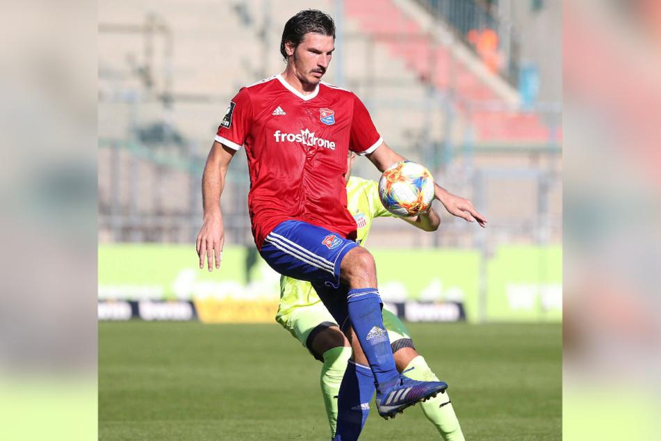 Beherrscht den Ball: Dominik Stroh-Engel.