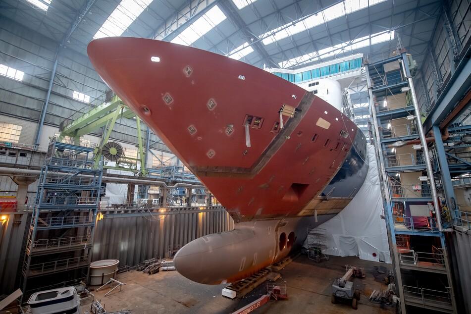 Mehrarbeit und Kündigungen? Meyer-Werft in der Krise