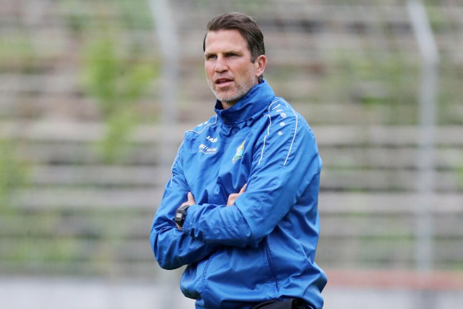 CFC-Coach Patrick Glöckner verfolgte das Geschehen mit zufriedenem Blick.