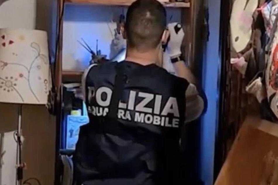 Am Sonntag ging die italienische Polizei mit mehreren Razzien gegen den Sexkult vor.