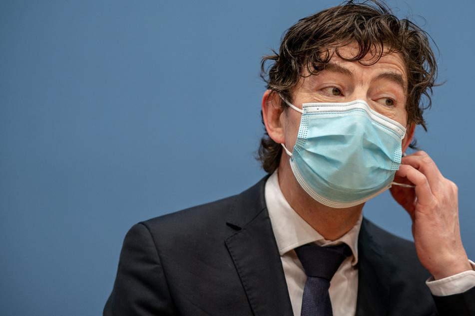 Christian Drosten hat in seinem Corona-Podcast einen Ausblick gegeben, wann die Bevölkerung in Deutschland immun gegen das Coronavirus sein wird.