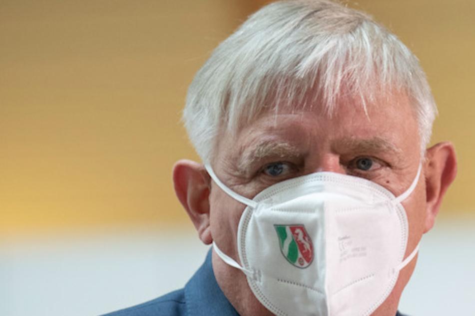 Karl-Josef Laumann (CDU), Gesundheitsminister von Nordrhein-Westfalen, ist sauer auf mögliche Betrüger, die Corona-Testzentren betreiben.