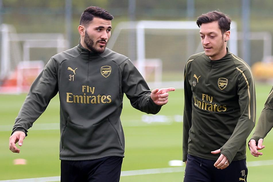 Aktuell (noch) Mannschaftskollegen beim FC Arsenal London: Sead Kolasinac (27) und Mesut Özil (31).