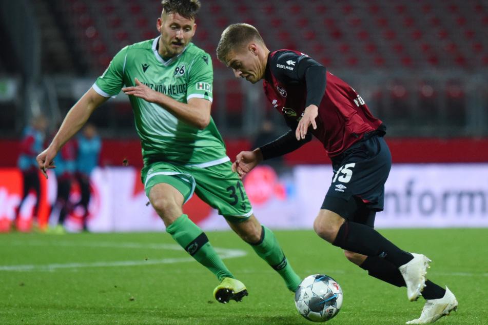 Fabian Nürnberger beim Spiel gegen Hannover 96.
