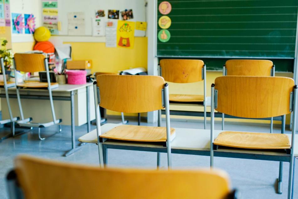 Die Schulen in Hessen wurden infolge der Corona-Krise geschlossen (Symbolbild).