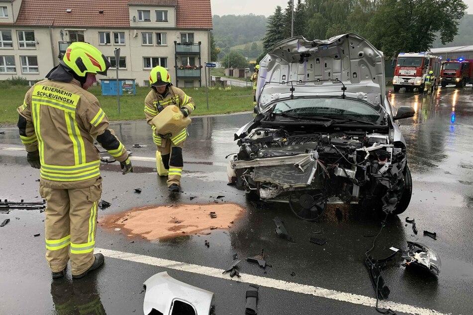 Der Renault wurde bei dem Crash völlig zerstört.
