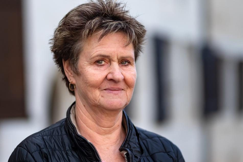 Die Linken-Politikerin Sabine Zimmermann (60) kritisiert, dass die Perspektiven am Arbeitsmarkt immer düsterer würden.