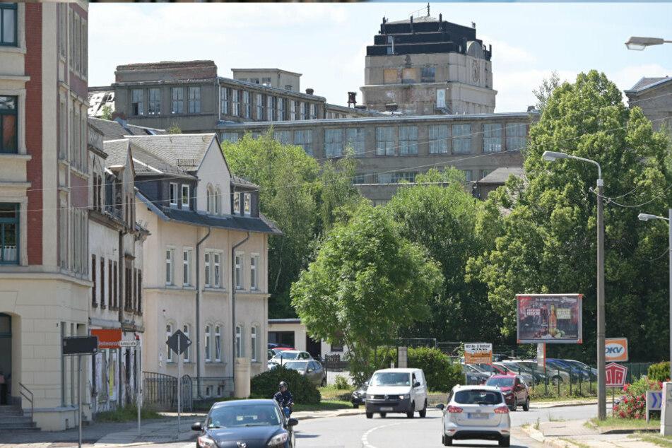 Die alten Wanderer Werke thronen an der Zwickauer Straße und harren auf eine neue Nutzung.