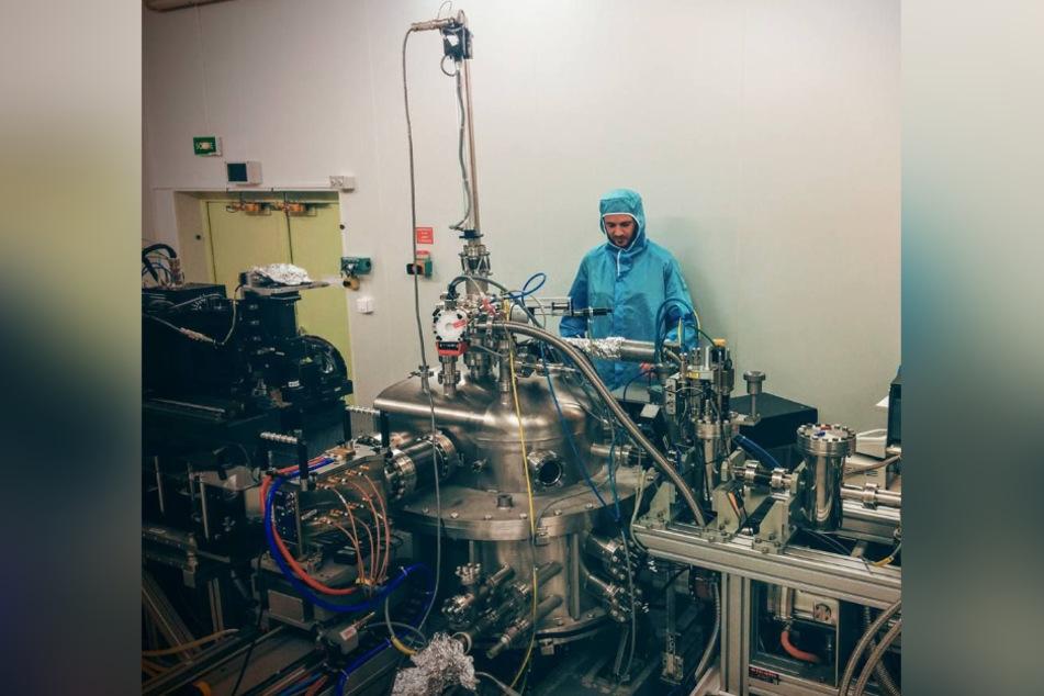 Der Materialforscher Igor Zlotnikov (40) bei der Röntgen-Nanotomographie.