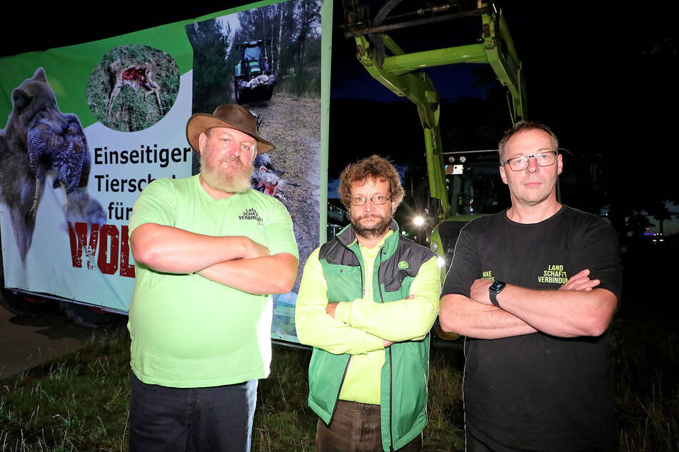 Landwirte verschaffen sich vor dem Landtag in Dresden Gehör.