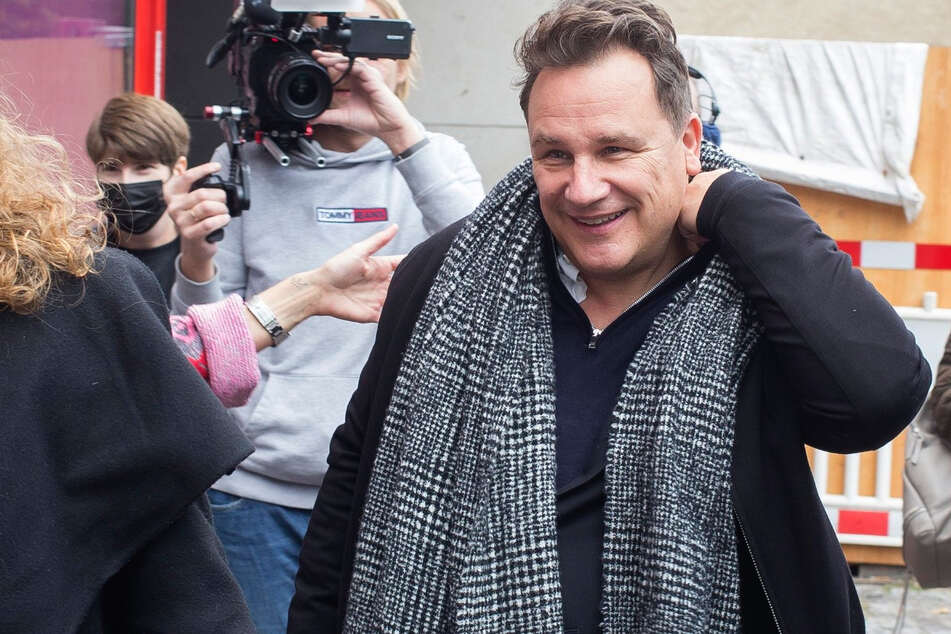 Guido Maria Kretschmer (56) kommt am Berliner Wachsfigurenkabinett Madame Tussauds an, um seine eigene Figur aus Wachs zu enthüllen.