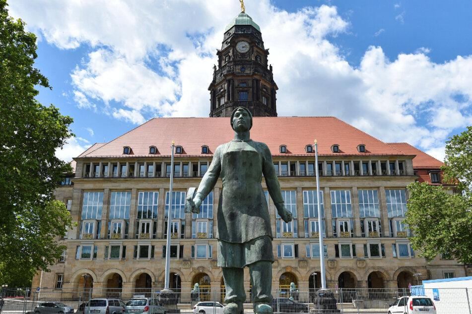 Hinter den Rathaus-Kulissen wird noch immer um den neuen Bildungsbürgermeister gerungen.