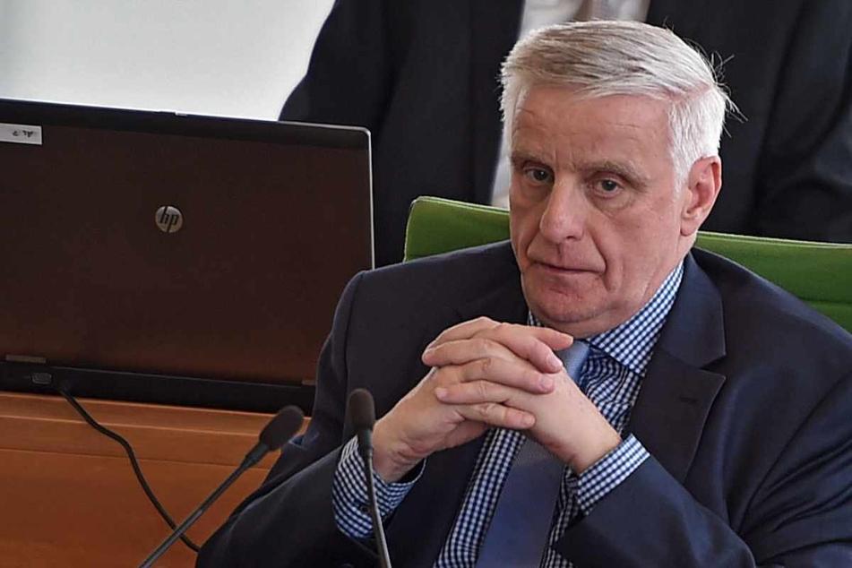 Thomas Colditz (63, CDU), Ortsvorsteher von Aue-Bad Schlema, stimmte erst der 2G-Regel für Bürgerbesuche bei ihm zu - nun rudert er zurück (Archivbild).
