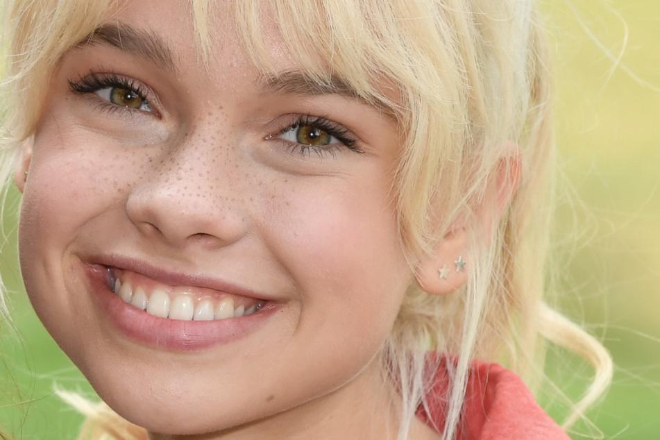 In der Live-Action-Serie von Amazon spielt Katharina Hirschberg (19) die Hexe Bibi Blocksberg.
