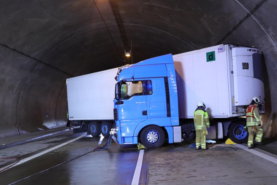Lkw-Unfall auf der A17 im Dölzschener Tunnel