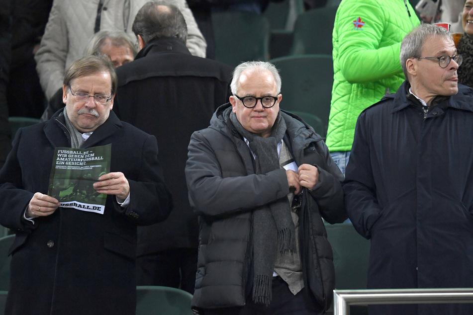"""Für die Verbandsspitze um Präsident Fritz Keller (M., 64) müsse man sich laut Matthäus """"nicht nur als deutscher Ex-Spieler schämen""""."""
