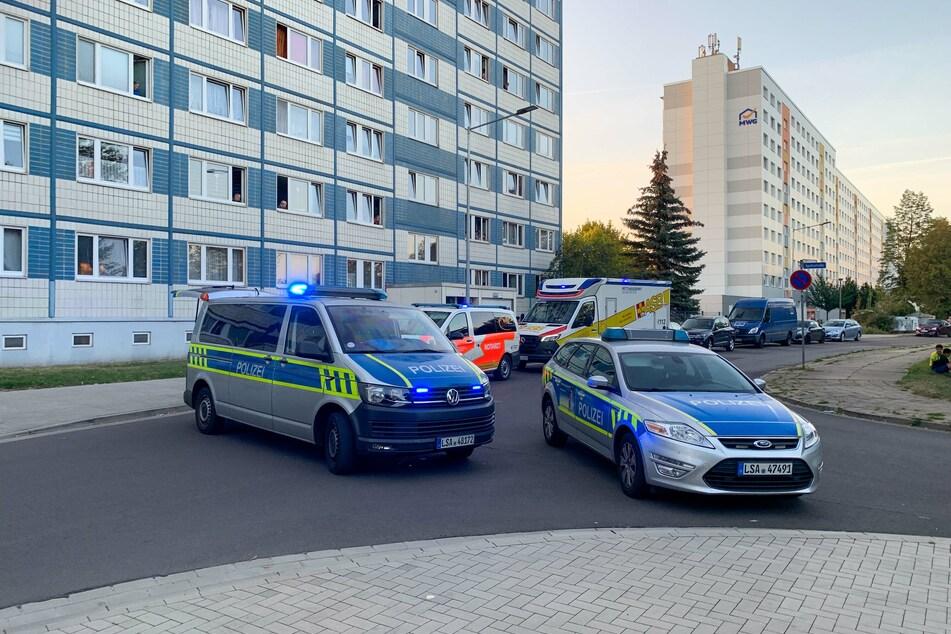 Neben der Magdeburger Polizei rückte auch der Rettungsdienst an.