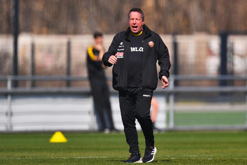 """Dynamo-Coach Markus Kauczinski (51) fordert, dass sein Team nichts aus der Hand gibt: """"Damit muss jetzt Schluss sein."""""""