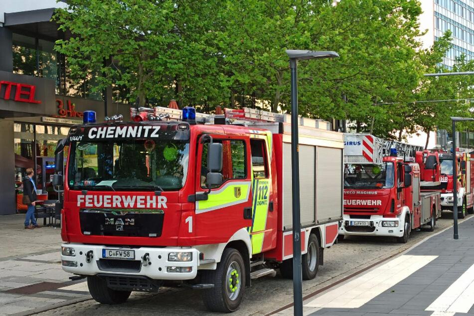 Feuerwehreinsatz im Rawema-Gebäude in Chemnitz! Offenbar kam es zu einem technischen Defekt.