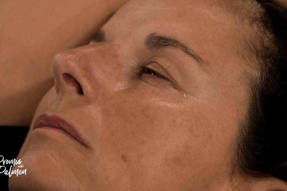 """Nach einer tränenreichen Nacht packte Claudia Obert in der letzten """"Promis unter Palmen""""-Folge ihren Koffer."""