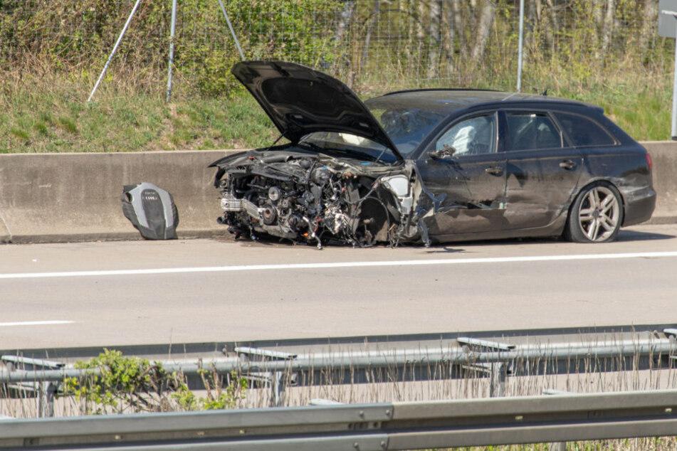 Schwerer Unfall auf A4 bei Frankenberg: Auto kracht in Leitplanke
