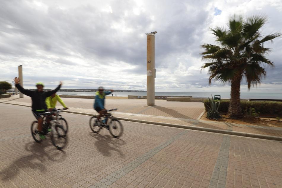 Die Tourismusbranche auf Mallorca wurde von der Corona-Pandemie schwer getroffen. Jetzt sollen Urlauber wieder für Umsätze sorgen. (Archiv)