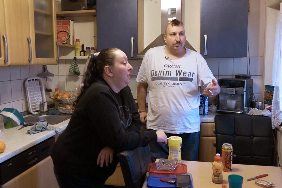 Die Mutter zweier Töchter will aber direkt mit ihrem Chef wegen geänderter Arbeitszeiten und einem anderen Einsatzort sprechen.