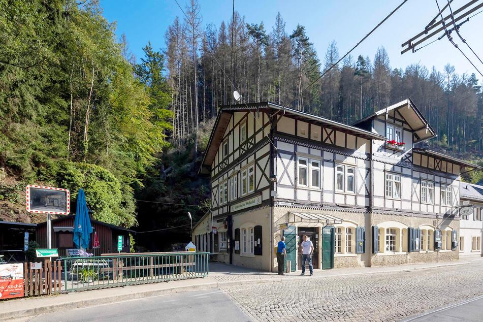 Ihre Gaststätte steht direkt am Lichtenhainer Wasserfall.