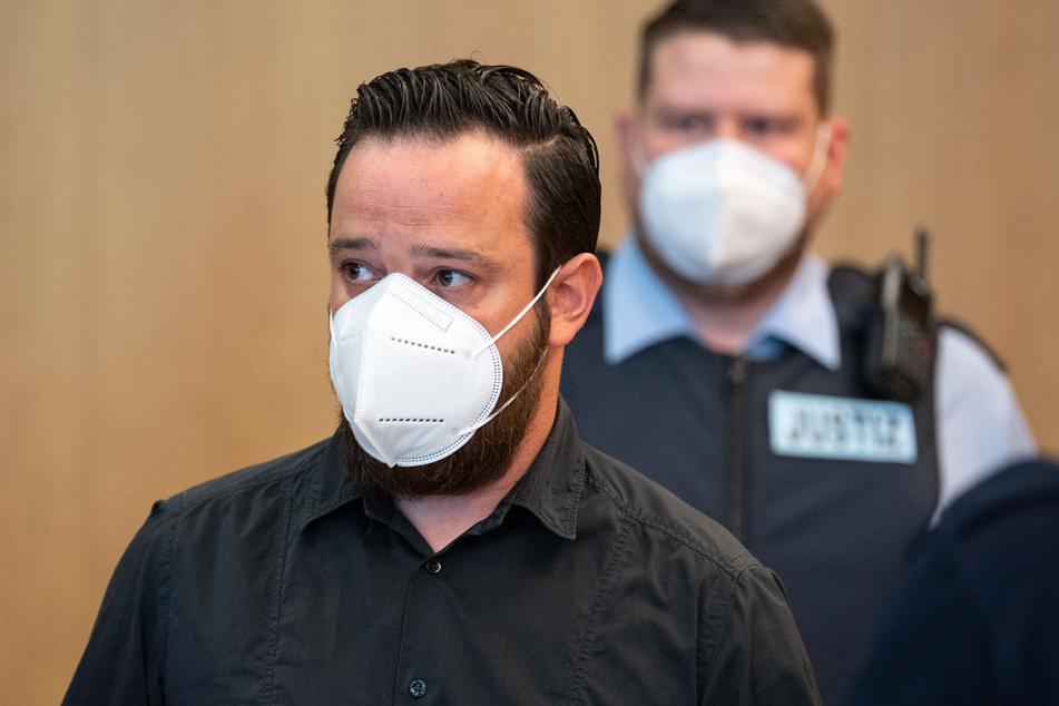 Vor dem Landgericht Aachen hat am Freitag ein Prozess gegen Ex-Bundesliga-Profi Deniz Naki (31) wegen Bildung einer kriminellen Vereinigung begonnen.