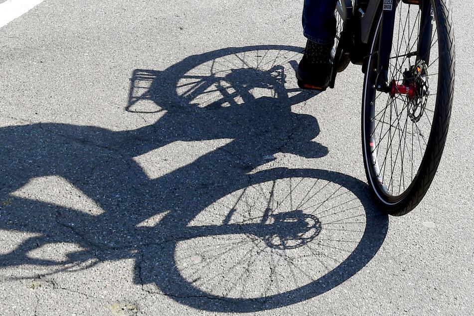 Ein 35 Jahre alter E-Bike-Fahrer wurde bei einem Unfall im Landkreis Harz schwer verletzt. (Symbolbild)