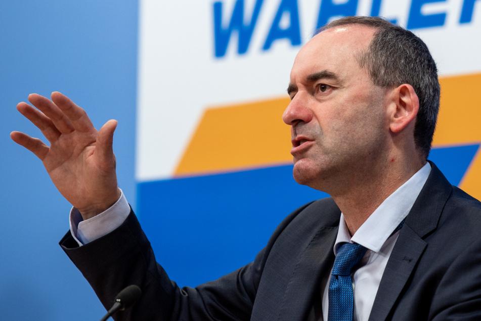 """Hubert Aiwanger (50, CSU), Wirtschaftsminister in Bayern und Bundesvorsitzender der Freien Wähler, sprach unter anderem von einer """"Jagd"""" auf Ungeimpfte."""