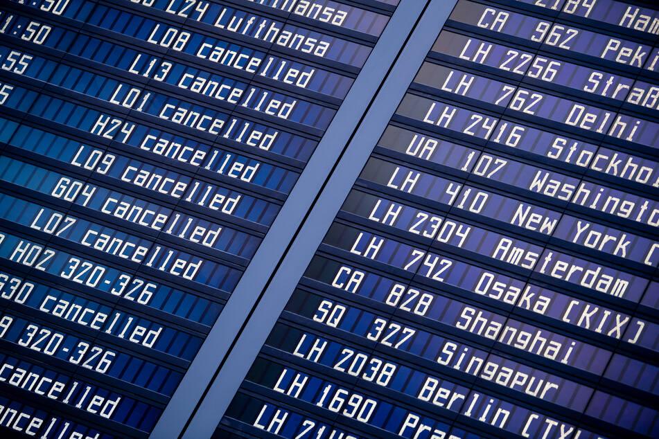 Annullierte Flüge wegen Corona: Aufpreis bei Umbuchung rechtens