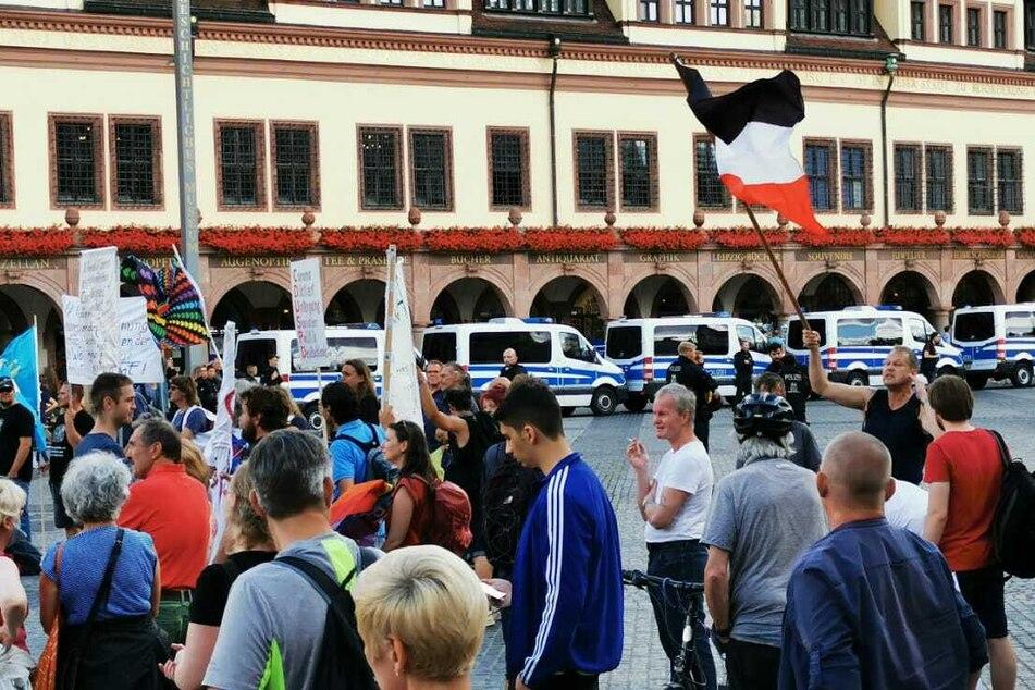 Die Polizei beobachtete die Demonstration.