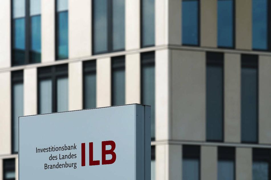 Seit Beginn der Pandemie sind in Brandenburg eine Milliarde Euro Corona-Hilfen ausgegeben worden. Laut ILB seien Knapp 114.000 Anträge seit dem Start der Soforthilfe am 25. März des vergangenen Jahres bei der Förderbank des Landes eingegangen.