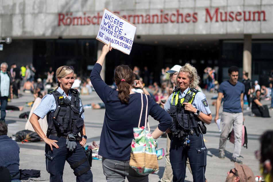 Köln: Polizei in Köln rechnet mit größerem Protest gegen Corona-Gesetze