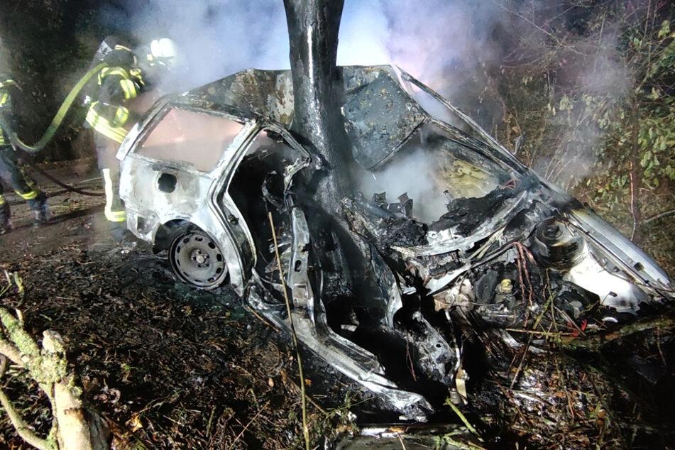 Schwerverletzt in der Flammen-Falle: Erntehelfer retten 19-Jährigen aus Inferno