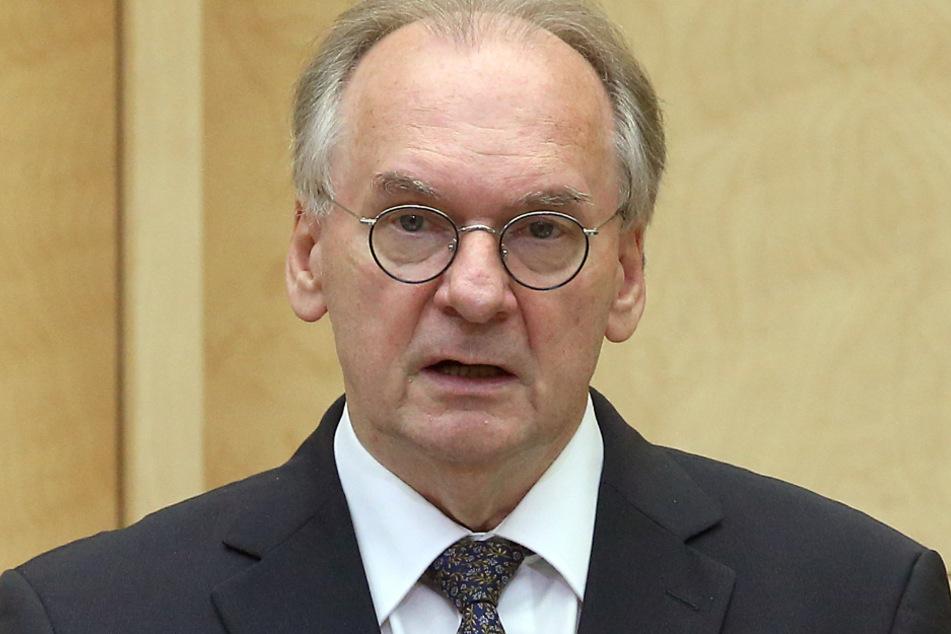 Reiner Haseloff (66, CDU).