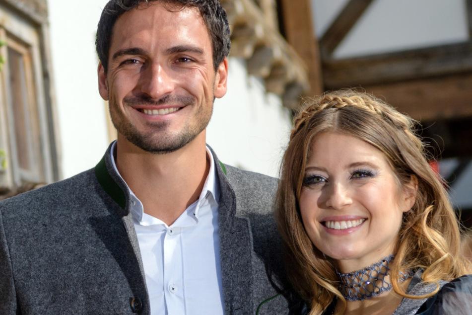 Cathy Hummels (32) ist glücklich mit Fußballstar Mats Hummels (31) verheiratet. Das Paar hat einen gemeinsamen Sohn.