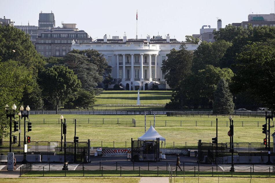 Vor dem Weißen Haus fielen am Montag Schüsse. (Symbolbild).