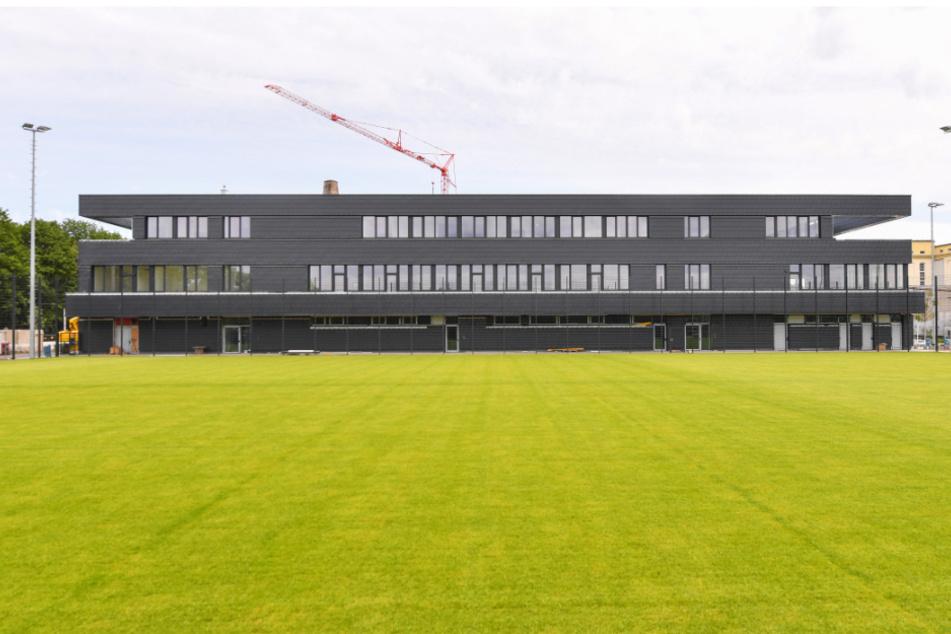In wenigen Wochen soll das neue Testzentrum fertig sein.