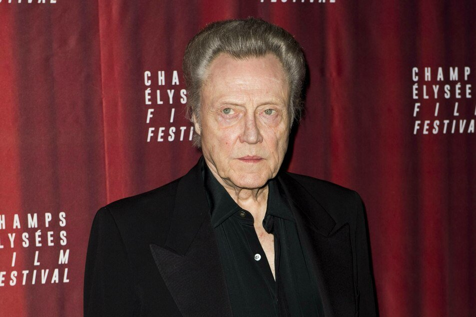 Smartphones and gadgets are not Christopher Walken's style.