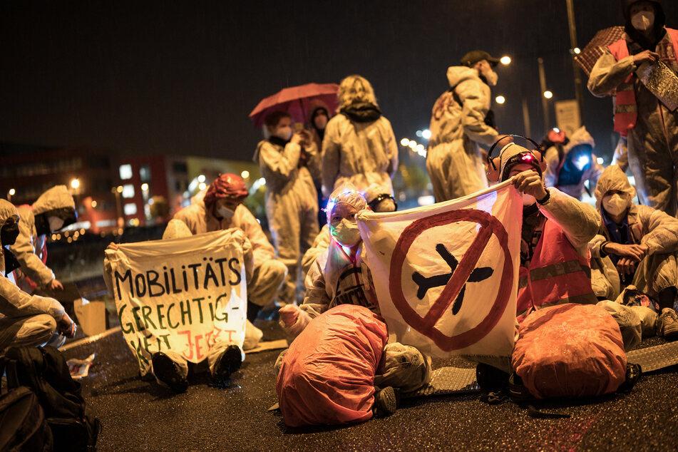 Nach der Blockade am Leipziger Flughafen am vergangenen Wochenende planen Klimaaktivisten nun erneut eine Demonstration.