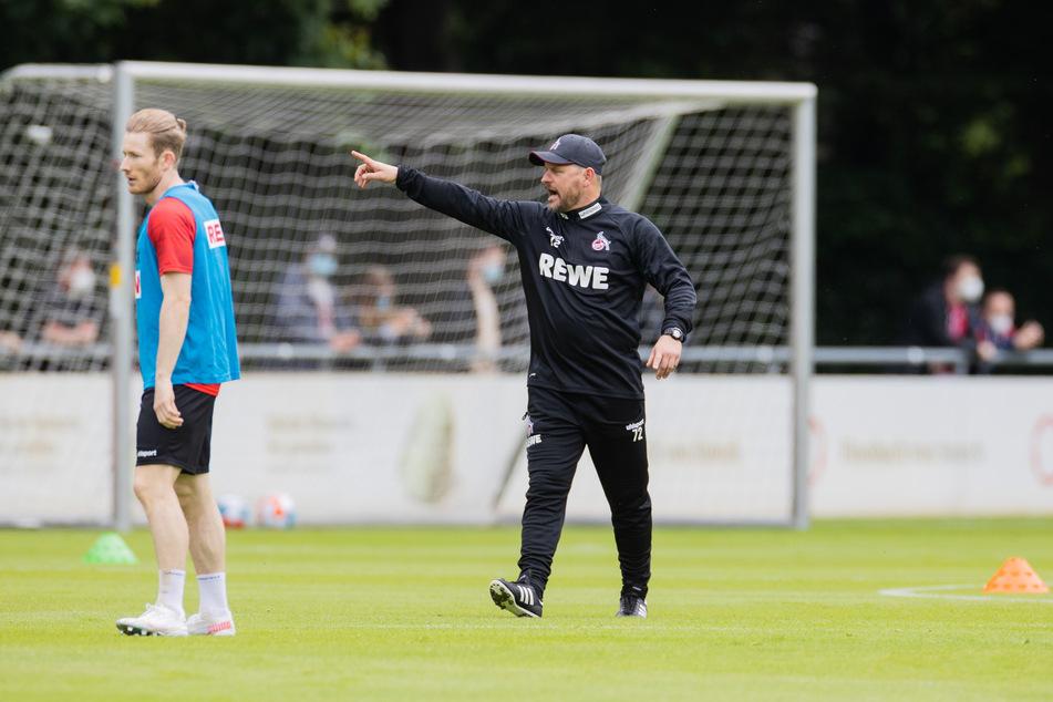 FC-Trainer Steffen Baumgart (49, r.) ist mit seiner Mannschaft in der Saison-Vorbereitung ungeschlagen geblieben.