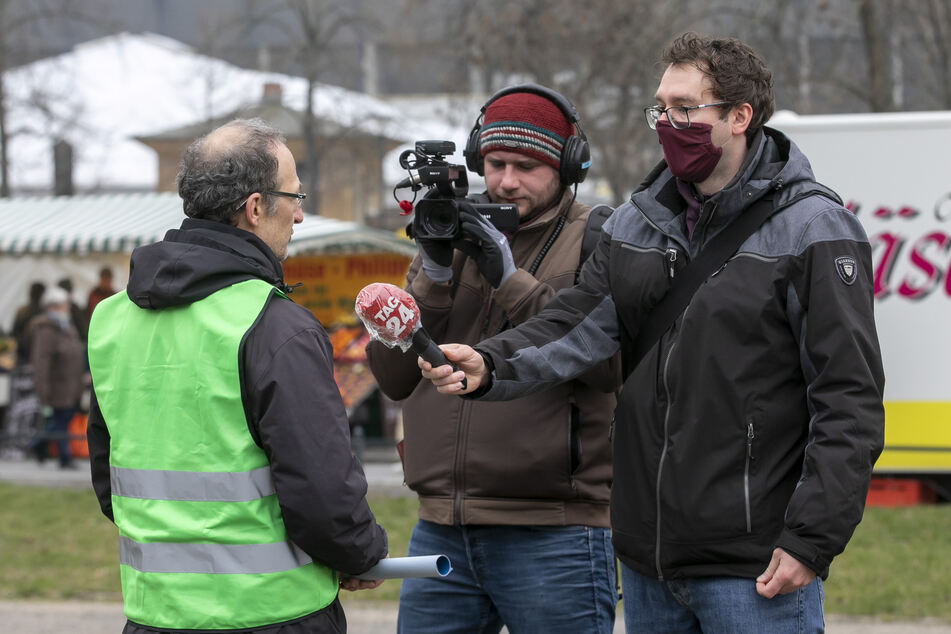 Amtsleiter Franke im Video-Interview mit TAG24-Reporter Hermann Tydecks (36) und Kameramann Jeremias Eichler (30).